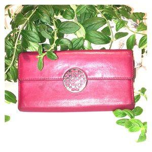 🌿COACH creamy cranberry leather envelope wallet